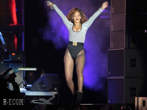 Rihanna - LOUD Tour - Sao Paulo (Brazil) - September 17, 2011