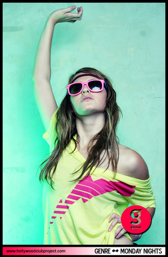 Scout Taylor-Compton wallpaper probably containing sunglasses entitled Scout Taylor-Compton