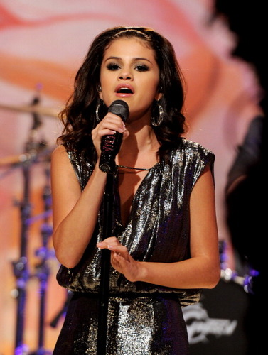 Selena - Tonight with JayLeno - September 19, 2011