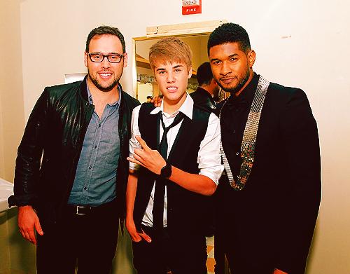 アッシャー and Justin Bieber <3 2011