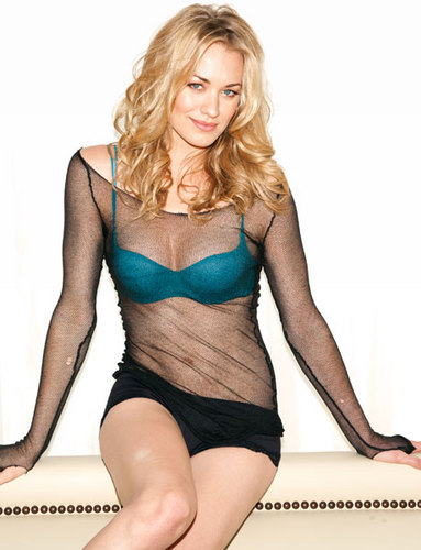Yvonne Strahovski Photoshoot for the October 2011 Issue of Esquire Magazine