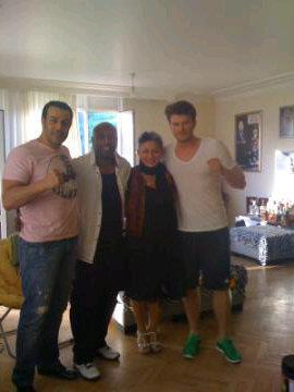 kivanc with coach and his wife who helped him with role kuzey