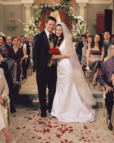 monica and chandler wedding photo