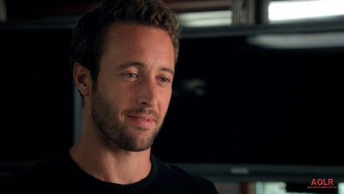 Alex O'Loughlin wallpaper probably with a jersey and a portrait titled 2.01 Ha'i'ole