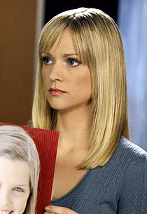 Aj cook short hair