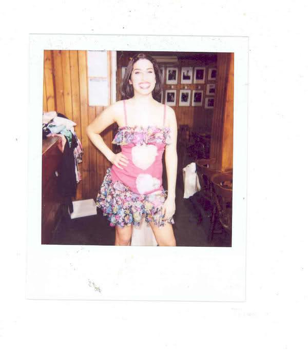 Amy-Winehouse-amy-winehouse-25519480-600