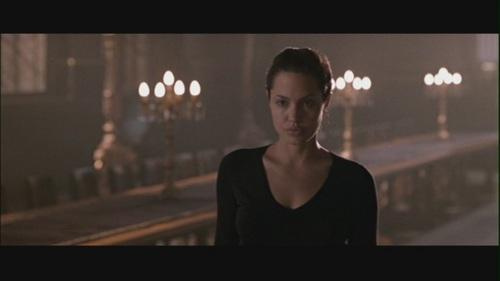 """অ্যাঞ্জেলিনা জোলি দেওয়ালপত্র probably containing a রাস্তা and a business district called Angelina Jolie in """"Lara Croft: Tomb Raider"""""""