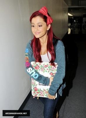 Ariana Grande at LAX Airport (Sep.21)