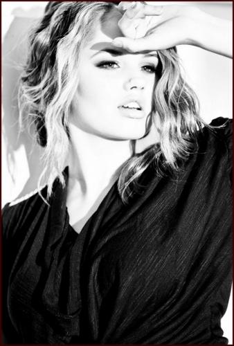 Debby Ryan foto shoots