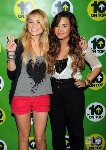 Demi - MTV's 10 On tuktok - September 21, 2011