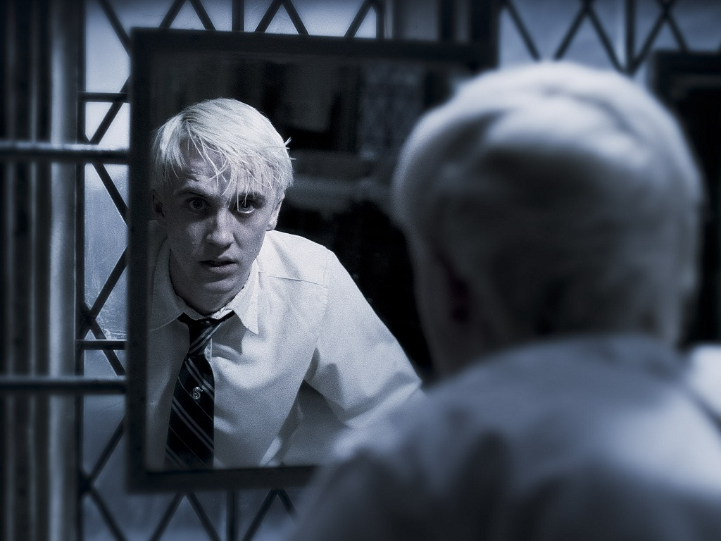 Draco Malfoy Wallpaper Deathly Hallows Draco Malfoy Wallpaper
