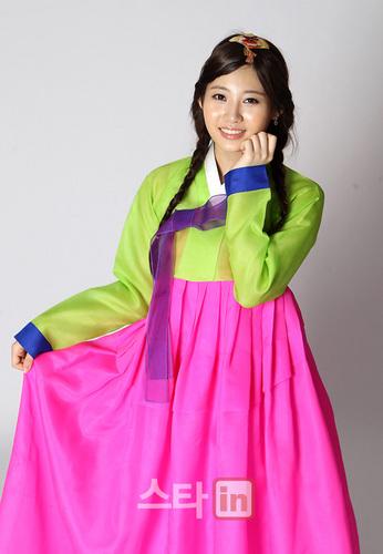 Girl's Tag Hanbok cuties <3