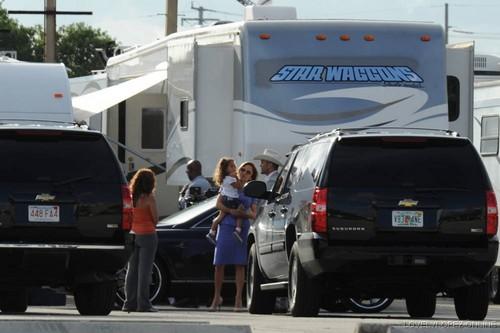 Jennifer - Parker.. Film set - Filming in Miami - September 21, 2011