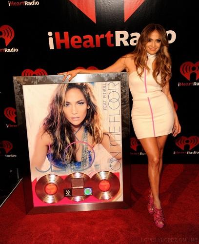 Jennifer - iHeartRadio Music Festival - Backstage - September 23, 2011