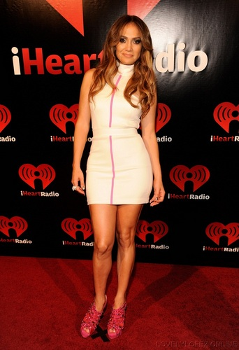 Jennifer - iHeartRadio সঙ্গীত Festival - Backstage - September 23, 2011