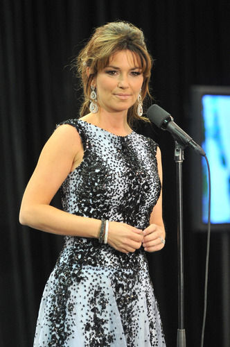 Shania Twain wallpaper possibly containing a concerto called Juno Awards 2011