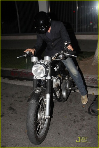 Keanu Reeves: Motorcycle Man!