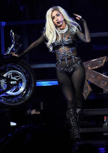 Lady Gaga performing @ iHeartRadio música Festival