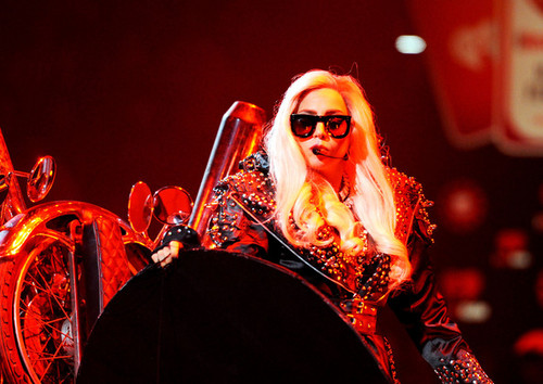 Lady Gaga performing @ iHeartRadio Музыка Festival