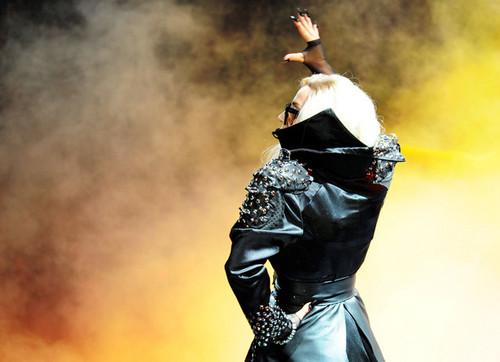 Lady Gaga performing @ iHeartRadio muziek Festival