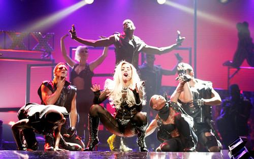 Lady Gaga performing @ iHeartRadio موسیقی Festival