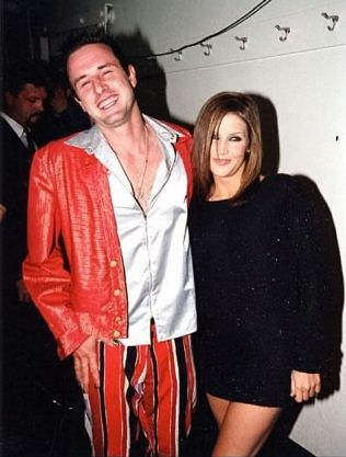 Lisa Marie Presley fond d'écran probably containing an outerwear titled Lisa and David