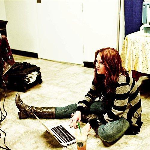 Miley Is Da Best Eva!!