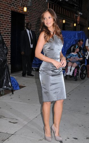 "Minka Kelly out promoting ""Charlie's Angels"" at the ""Late mostra with David Letterman"" (September 21)."