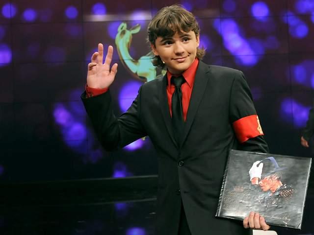 """PRINCE JACKSON DONARÁ LA LETRA MANUSCRITA DE """"BAD"""" EN LOS BAMBI 2011 Prince-Michael-Jackson-in-in-Berlin-prince-michael-jackson-25551202-640-480"""