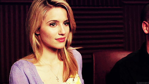 Quinn Fabray wallpaper probably containing a portrait titled Quinn