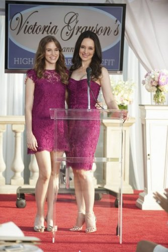 Revenge - Episode 1.04 - Duplicity Promotional चित्रो