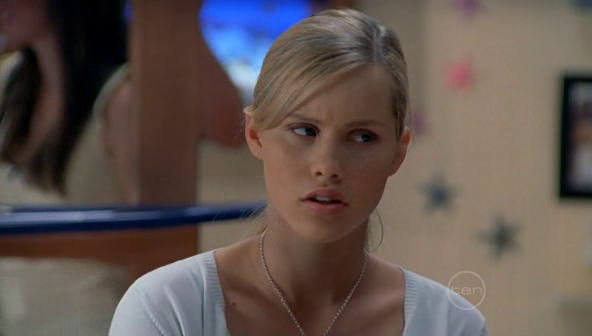 Claire Holt Achtergrond Possibly Containing A Portrait Titled Screen Captures H2O Just Add Water