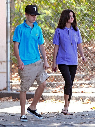 Selena - At LA Zoo - September 21, 2011