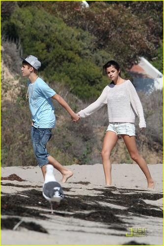 Selena Gomez & Justin Bieber: Paradise Cove Lovebirds!