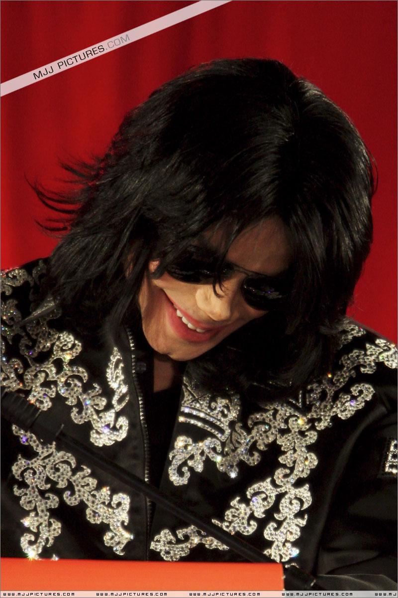 Shy and Cute MJ