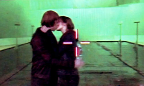 The cool take of the kiss!