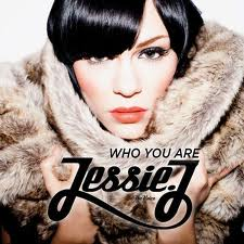 Jessie J 壁纸 with a 毛皮 coat, a mink, and a sable 涂层, 外套 entitled jj