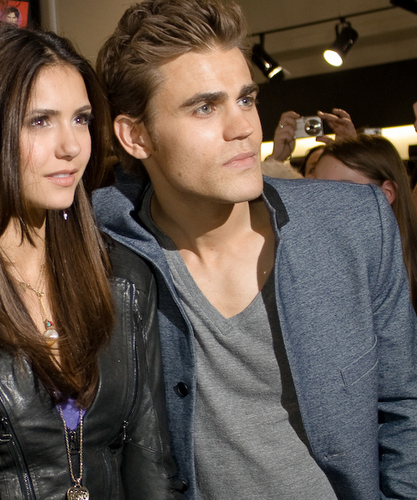 Paul Wesley and Nina Dobrev پیپر وال possibly with a portrait titled paul-nina