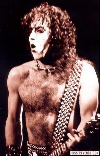 ☆ Paul
