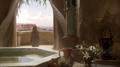 "1x01 ""Winter Is Coming"" - daenerys-targaryen Screencap"