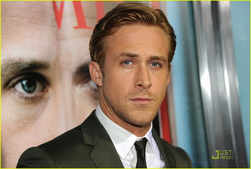 Ryan Gosling wallpaper with a business suit and a suit called 2011