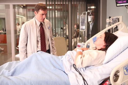 8x02 'Transplant' Promotional Photo (HQ)