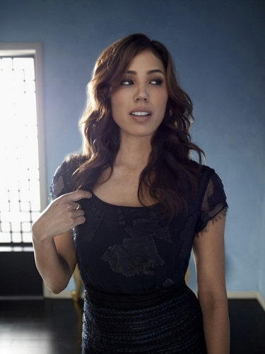 Michaela Conlin wallpaper possibly containing a cocktail dress, a sundress, and a chemise titled Ang <3