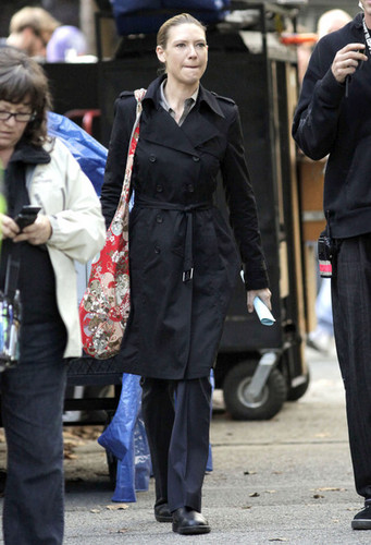 Anna Torv on the Set of 'Fringe' (September 27, 2011)