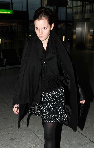 At Heathrow Airport in लंडन - September 26