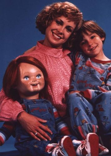 Andy Barclay Hintergrund titled Chucky, Karen And Andy