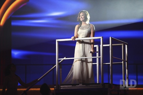 Demi - Dancing with the Stars - September 27, 2011
