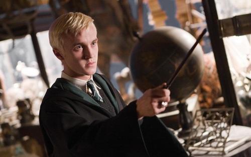 Draco Malfoy karatasi la kupamba ukuta