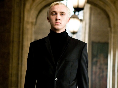 Drago Malfoy karatasi la kupamba ukuta with a business suit and a well dressed person titled Draco Malfoy karatasi la kupamba ukuta