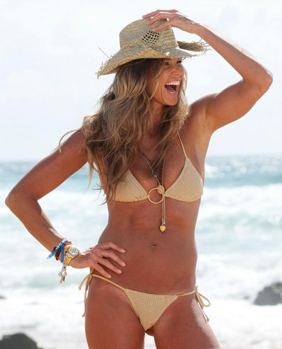 swimsuit si wallpaper with a bikini titled Elle Macpherson